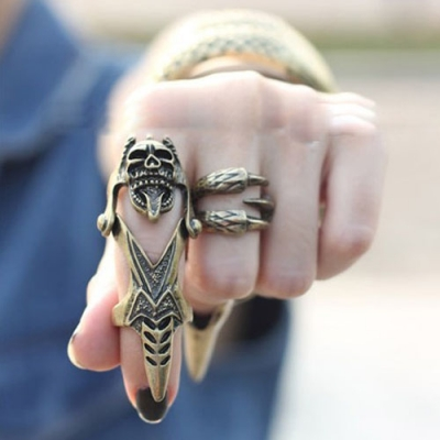 Impressive Long Ring Finger Skull Head Shape Men Fashion Jewelry
