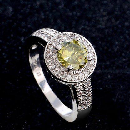 Beautiful Classic Green Round Ring Women Fashion Jewelry
