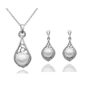 Elegant Pearl Crystal Rhinestone Necklace Earrings Jewelry Set